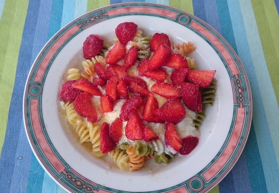 Sommerküche Für Kinder : Erdbeernudeln von roni84 chefkoch.de