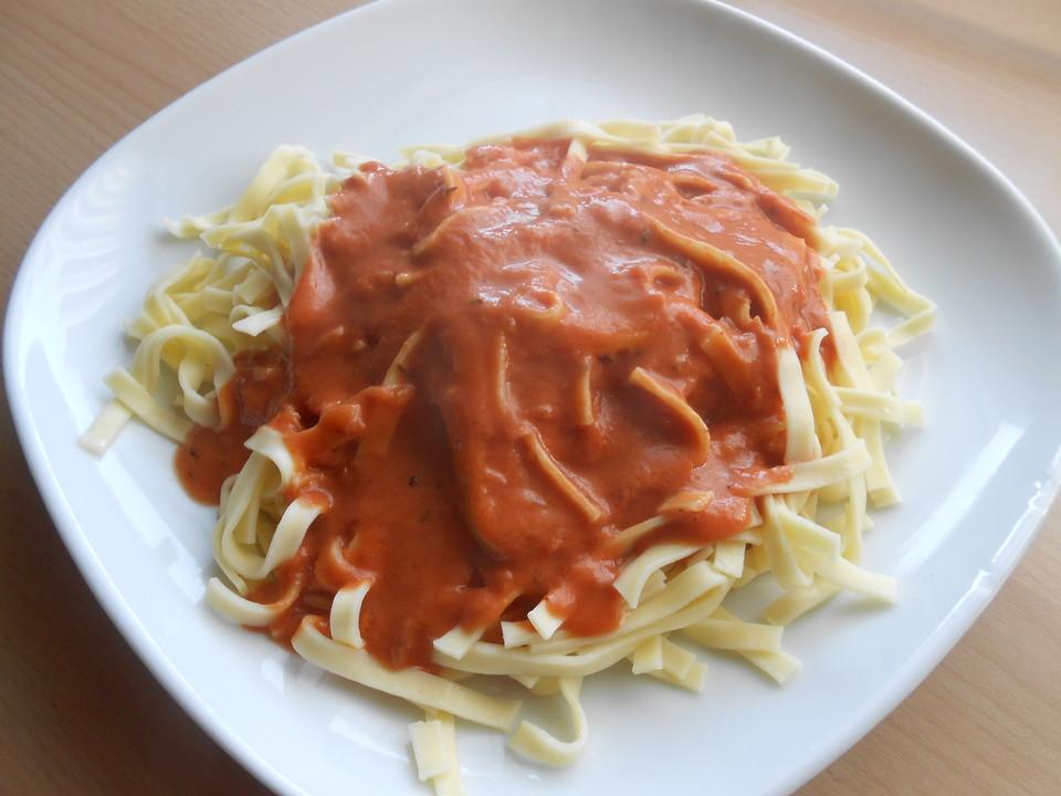 spaghetti mit italienischer tomatensauce rezept mit bild. Black Bedroom Furniture Sets. Home Design Ideas
