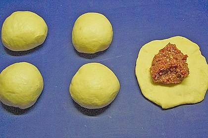 Gefüllte Hefeklöße auf Sauerkraut 1