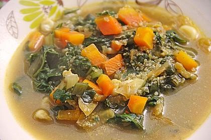 Quinoa - Karotten - Suppe mit Mangold Einlage
