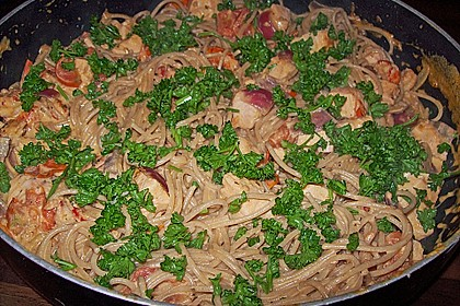Sahnige Pasta mit Lachs und Krebsfleisch 4