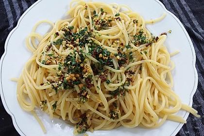 Spaghetti mit Knoblauch, Öl und Pfefferschote 1