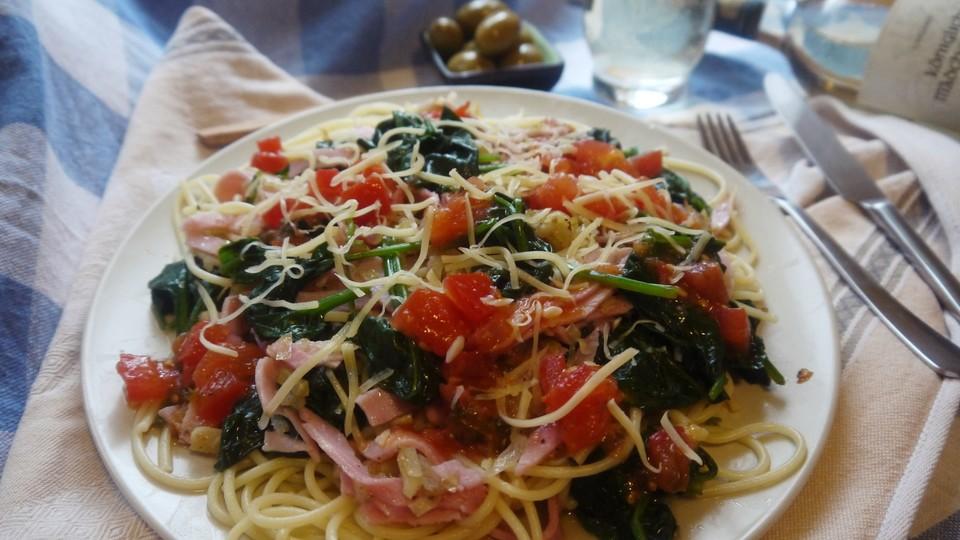spaghetti mit spinat frischk seso e und gebratenen tomaten von rosalie. Black Bedroom Furniture Sets. Home Design Ideas
