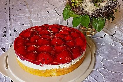 Kalte Erdbeer - Frischkäse - Geburtstagstorte 2