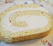 Biskuitrolle mit Zitronen - Quark - Füllung (Bild)