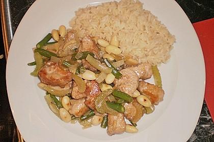 Hühnerfleisch mit Bambus und Mandeln 4