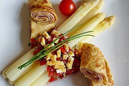 Spargel mit Tomaten - Vinaigrette und Ei 1