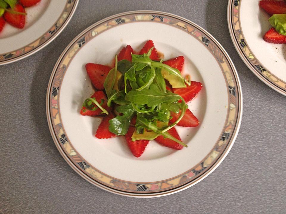 avocado erdbeer vorspeise von cantarelli. Black Bedroom Furniture Sets. Home Design Ideas