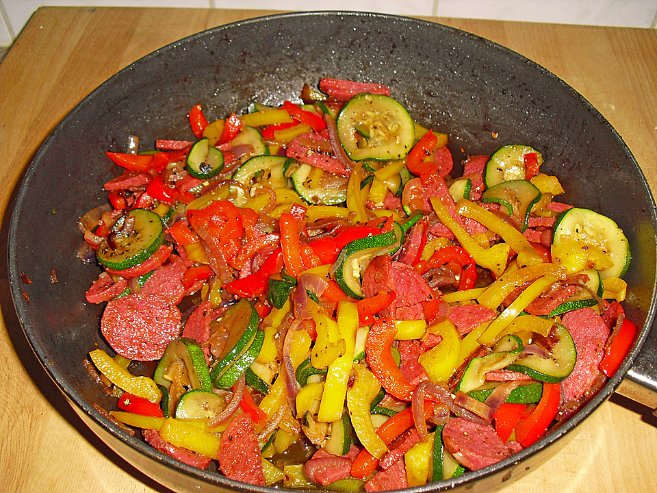 zucchini paprika pfanne rezept mit bild von ciperine. Black Bedroom Furniture Sets. Home Design Ideas