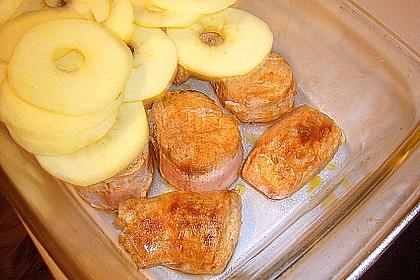 Überbackenes Schweinefilet mit Apfelscheiben 11