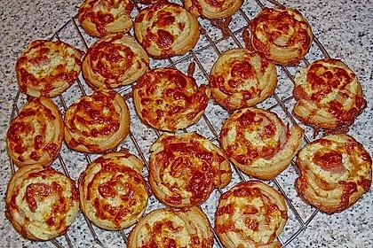 Mini - Pizzaschnecken aus Blätterteig 1