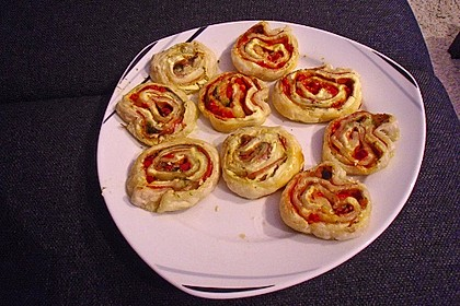 Mini - Pizzaschnecken aus Blätterteig 9