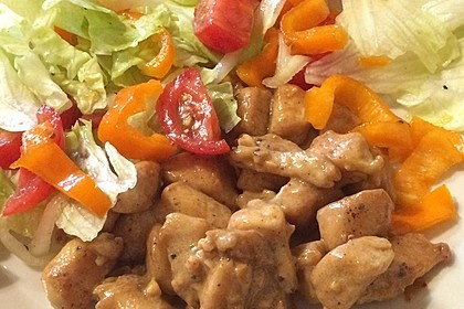 Erdnussbutter - Hähnchen mit buntem Salat