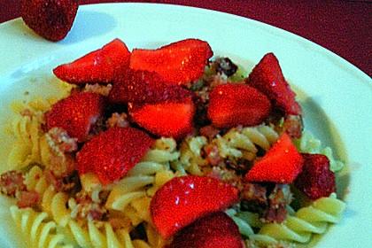 Nudeln mit Erdbeeren und Speck 3