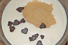 Weiße Mousse au chocolat mit Birnenmus