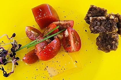 Zweierlei oder Dreierlei von der Tomate mit Graubrotcroutons
