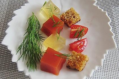 Zweierlei oder Dreierlei von der Tomate mit Graubrotcroutons 0