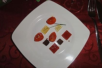 Zweierlei oder Dreierlei von der Tomate mit Graubrotcroutons 2