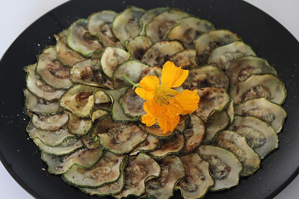 zucchini carpaccio salat rezept mit bild von stellamaria73. Black Bedroom Furniture Sets. Home Design Ideas