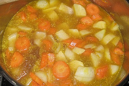 Kartoffel - Karotten - Eintopf mit Minisalami 4