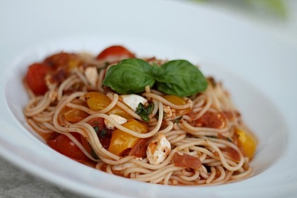 Schnelle Tomaten - Mozzarella - Sauce 6