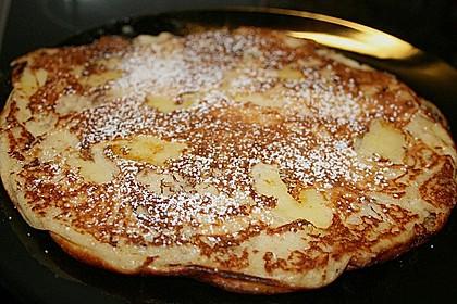 Fluffige Pfannkuchen mit Obst 2