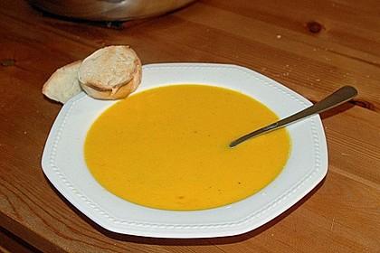 Möhrensuppe mit Kokos, Ingwer und Curry 6