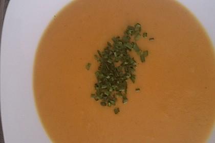Möhrensuppe mit Kokos, Ingwer und Curry 9
