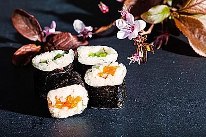 Dünne Sushi-Rollen 2