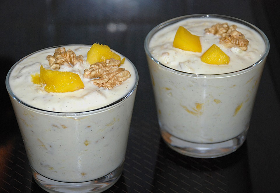 mango quark dessert mit waln ssen rezept mit bild. Black Bedroom Furniture Sets. Home Design Ideas