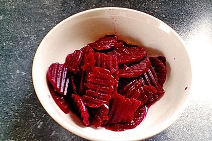Rote Bete - Salat mit Rollmops 6