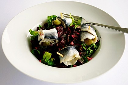 Rote Bete - Salat mit Rollmops 4
