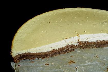 Käsekuchen  mit  Brownie Boden 49