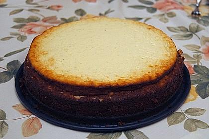 Käsekuchen  mit  Brownie Boden 48