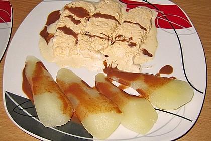 Zimteis mit Birnen und Lebkuchensauce 10