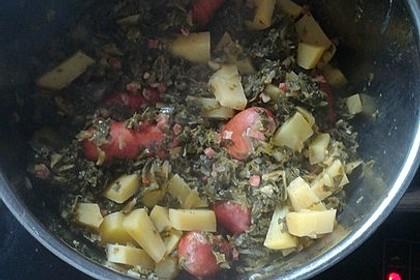 Grünkohl mit Kasseler, Mettwürstchen und Kartoffeln 11