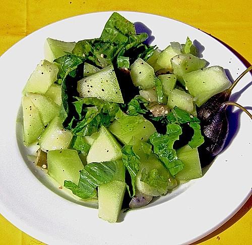 salat mit melone und kapern pfeln rezept mit bild. Black Bedroom Furniture Sets. Home Design Ideas