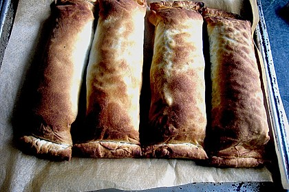 Lammlachse im Strudelteig gebacken mit Mangold, Schmortomaten und Sellerie - Kartoffel - Püree