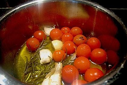 Lammlachse im Strudelteig gebacken mit Mangold, Schmortomaten und Sellerie - Kartoffel - Püree 6