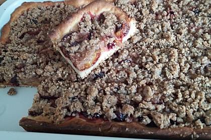 Zwetschgenkuchen mit Nuss - Streuseln und Hefeteig 11