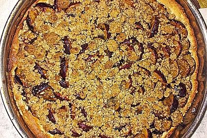 Zwetschgenkuchen mit Nuss - Streuseln und Hefeteig 25