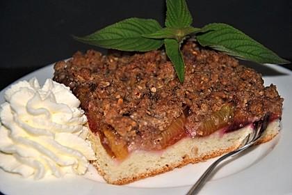 Zwetschgenkuchen mit Nuss - Streuseln und Hefeteig 15