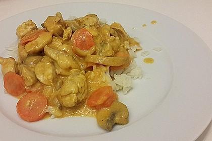 Hähnchen in Kokos - Curry - Soße