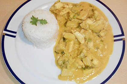 Hähnchen in Kokos - Curry - Soße 4