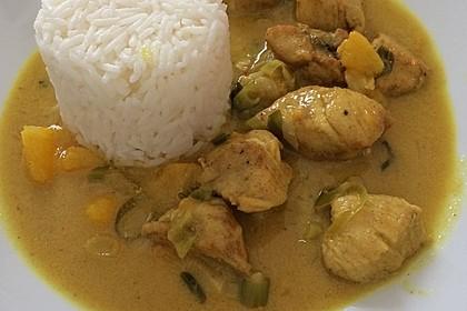 Hähnchen in Kokos Curry Soße 3
