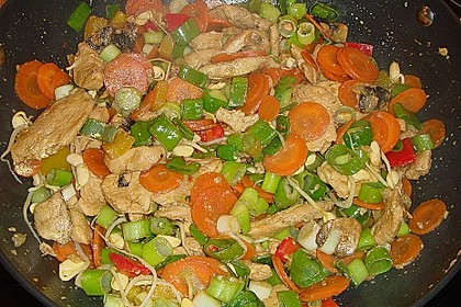 Huhn und Gemüse aus dem Wok 3