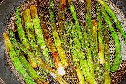 Gebratener grüner Spargel 40
