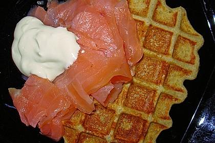 Buchweizen - Blini mit Lachs und Senfcreme 3