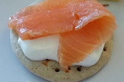 Buchweizen - Blini mit Lachs und Senfcreme 2