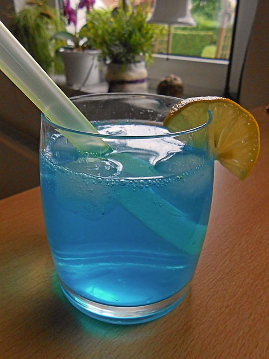 Blue Ocean Cocktail mit Wodka und Limette von jennybee   Chefkoch.de